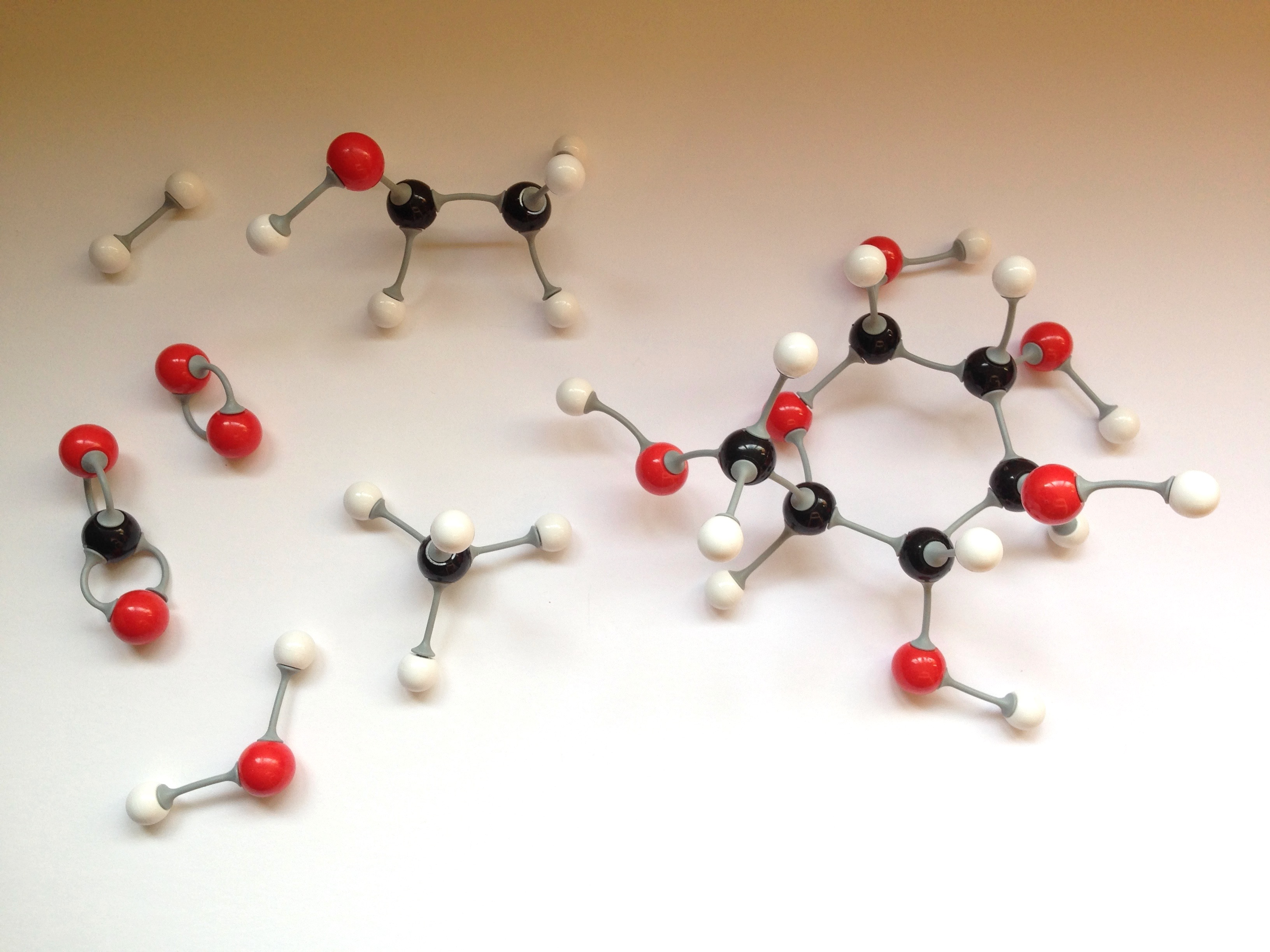 Make And Model >> Molecule modelling free play | ingridscience.ca